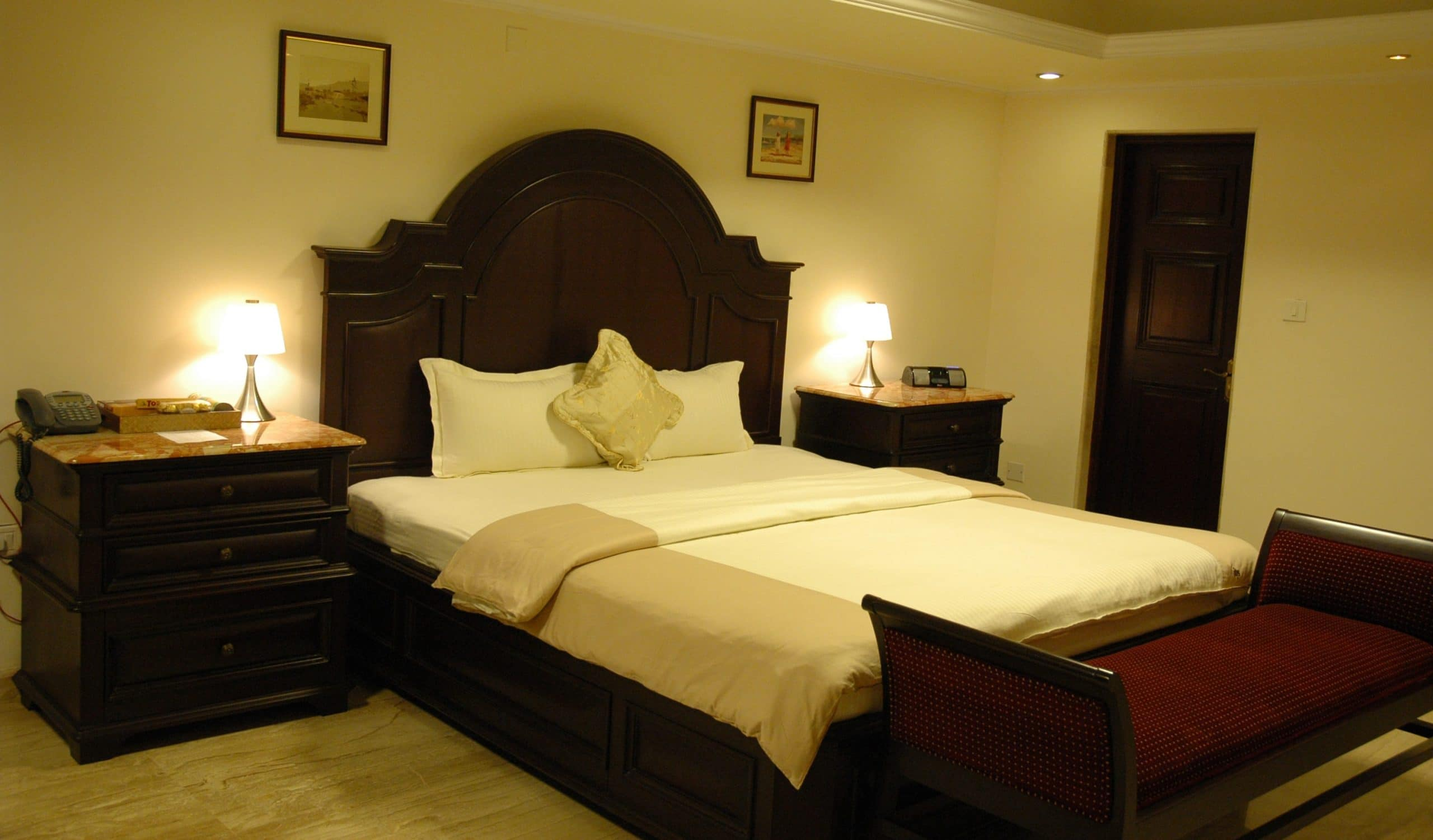 King Bed ITIS Suites & Club