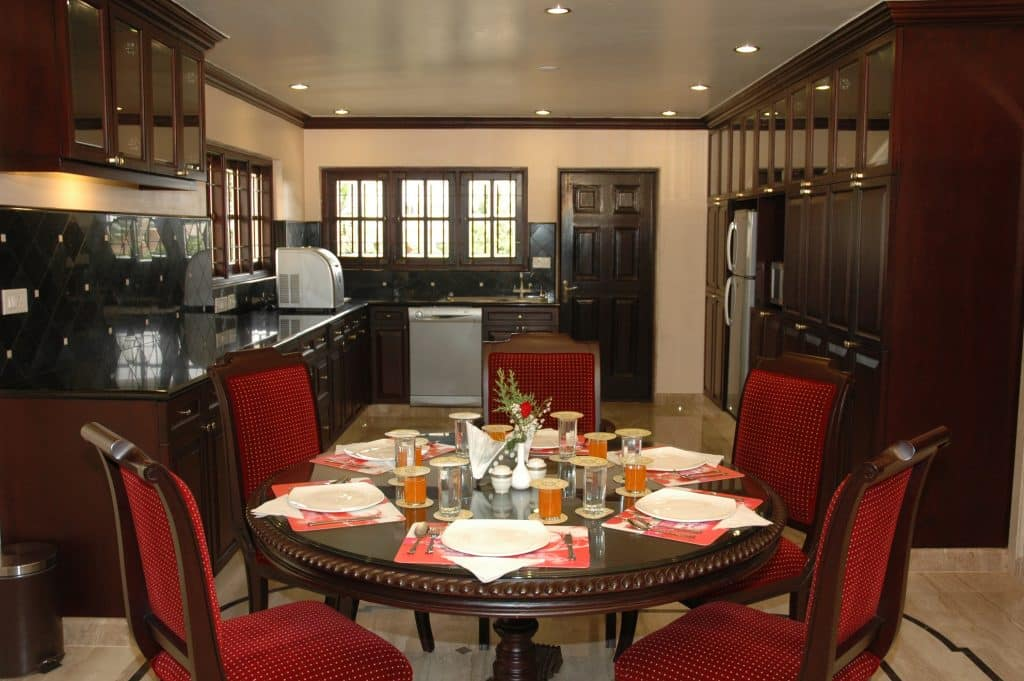 Queen Suite Kitchen with Dining ITIS Suites & Club